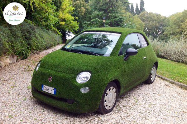 500 Fiat in erba sintetica