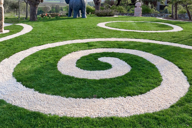 Il giardino con erba sintetica la soluzione migliore for Giardino labirinto