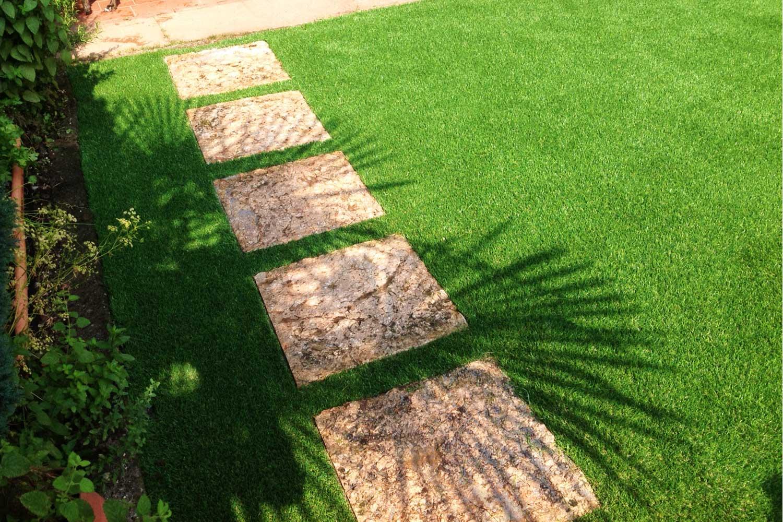 Il giardino con erba sintetica la soluzione migliore - Quando seminare erba giardino ...
