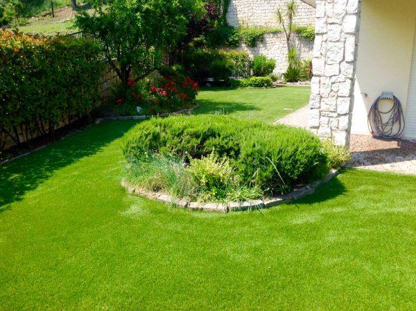 Giardino in erba artificiale con 3 fili diversi