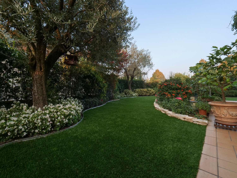 Giardino provincia di brescia for Arredo giardino brescia